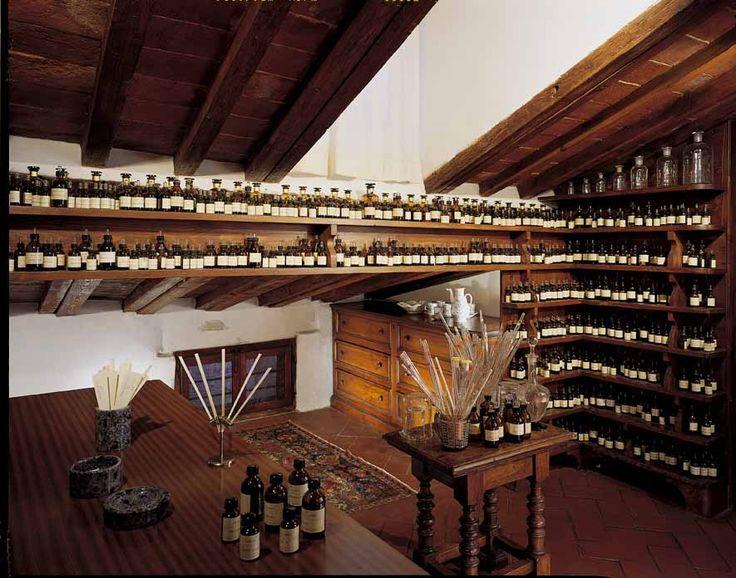 كارگاه عطرسازي لورنزو ويلورسي